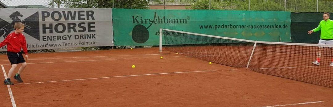 Kindertraining beim Tennisclub RW Dahl hat wieder begonnen